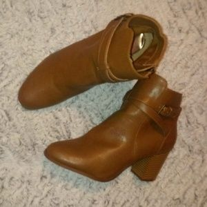 JAYE brown boots